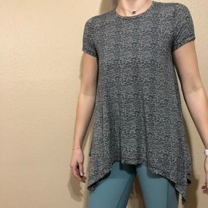 Chelsea & Theodore Tunic Short Sleeve Top